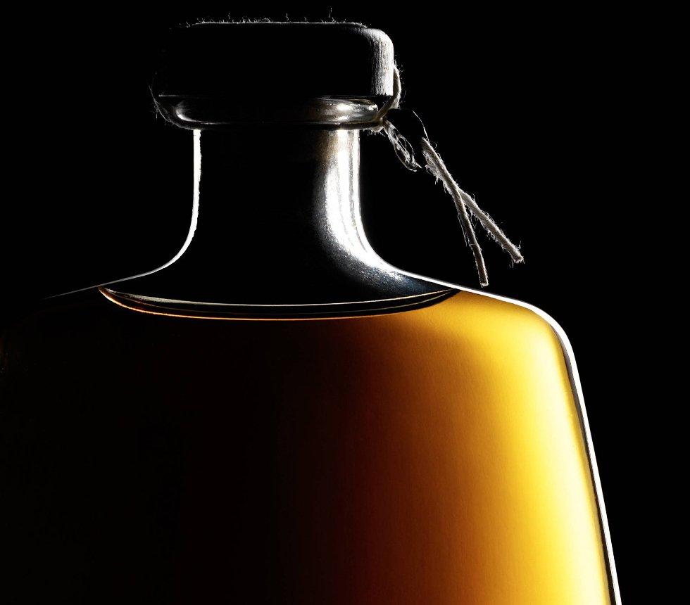 Silouette di bottiglia di Grappa Of Amarone Barrique